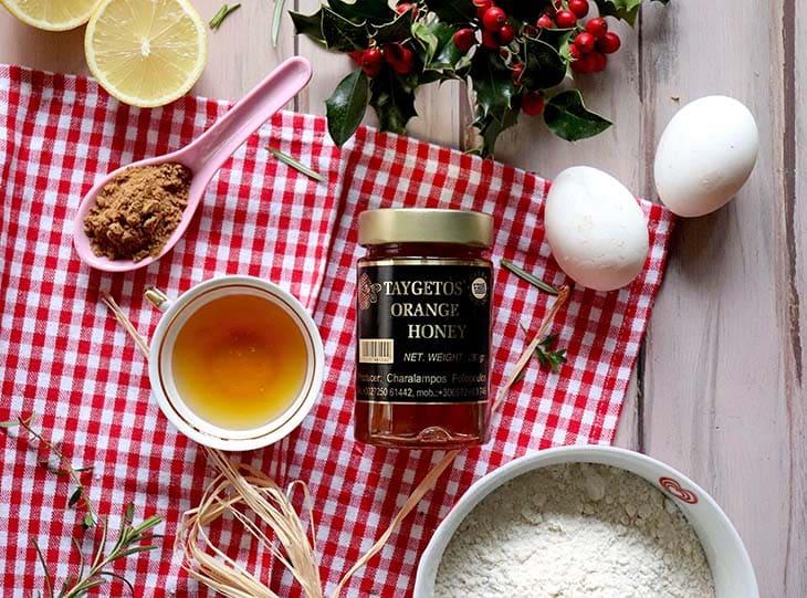 Risotto pecorino e miele con tuorlo morbido e polvere di liquirizia